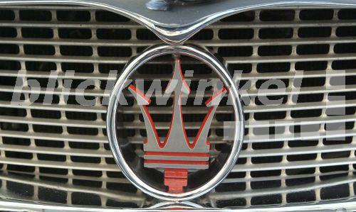 Auto Mit Krone Als Logo