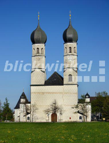 blickwinkel wallfahrtskirche weihenlinden deutschland bayern bad aibling pilgrimage. Black Bedroom Furniture Sets. Home Design Ideas