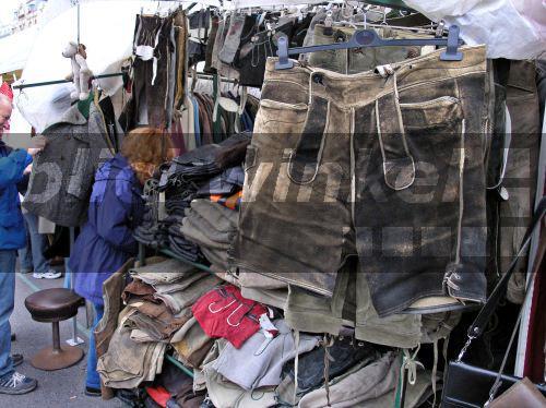 blickwinkel gebrauchte lederhosen auf dem flohmarkt oesterreich naschmarkt wien second. Black Bedroom Furniture Sets. Home Design Ideas