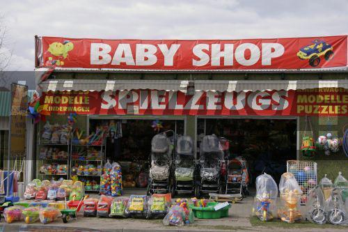 blickwinkel - Verkaufsstand mit Kinderspielzeug und